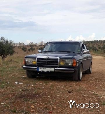 Mercedes-Benz in Port of Beirut - سيارة ٢٠٠ موديل ٨١ علييا مازوت ٥ قديم اوتوماتيك مسجلة