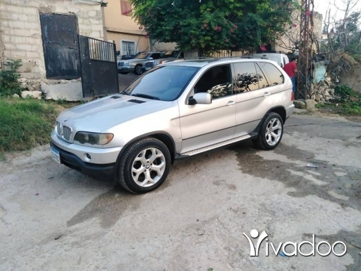 Vans in Al Beddaoui - جيب x5 for sell