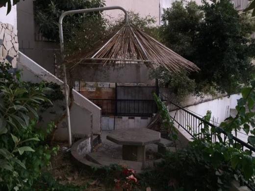 Apartments in Mazraat Yachouh - شقة للبيع في منطقة مزرعة يشوع تابعة لمنطقة انطلياس العقارية