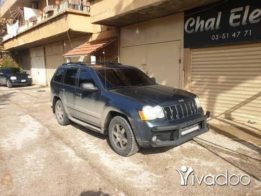 Jeep in Port of Beirut - 2008 grand cherokee