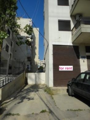 Shop in Beirut City - محل تجاري للايجار او للبيع قرب مدرسة الليسيه