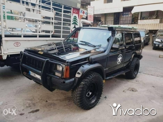 Jeep in Aley - Cherokee 1989