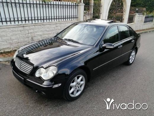 Mercedes-Benz dans Zgharta - C 240 mod 2003 اسود الب اسود