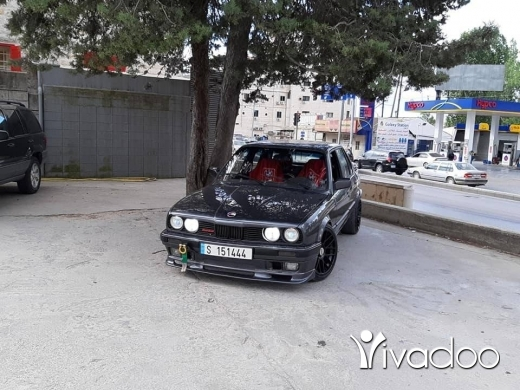 BMW in Port of Beirut - E30 BMW 325