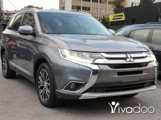 Mitsubishi in Beirut City - 2016 Outlander / Like New / Low mileage / Fully loaded / Company source