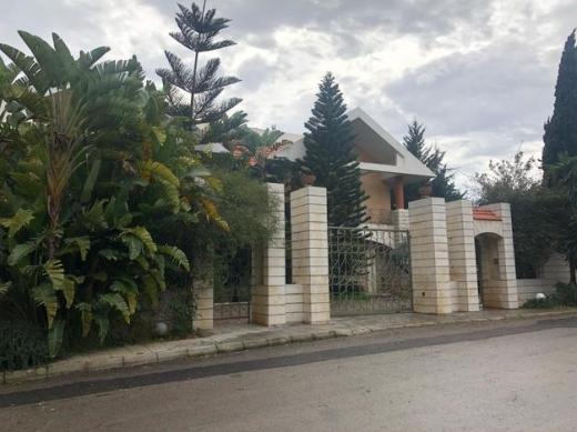 Villas in Metn - فيلا للبيع في  Monte verde