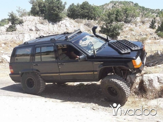 Jeep in Baalback - Grand cherokee
