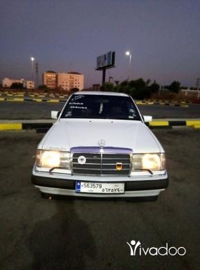 Mercedes-Benz in Tripoli - سيارة ٣٠٠