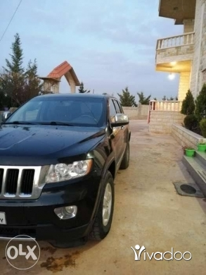 Jeep in Port of Beirut - jeep 2011 v6 laredo ajnabe