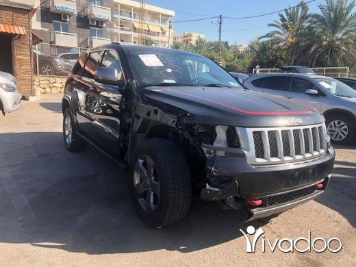 Jeep in Beirut City - Grand Cherokee 2013 Black Edition