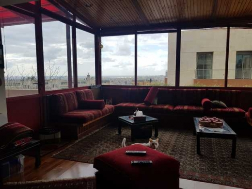 Apartments in Hazmiyeh - Apartment for Sale In Hazmieh 180m