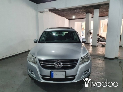 Volkswagen in Beirut City - 2010 V.W Tiguan SEL 4 Motion