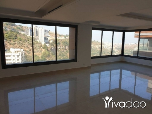 Apartments in Loueizeh - l05630 - Luxurious Apartment With Back Yard Garden For Sale in Louaize