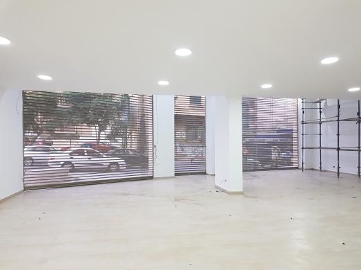 Office Space in Sanayeh - صالة عرض للبيع في الصنائع