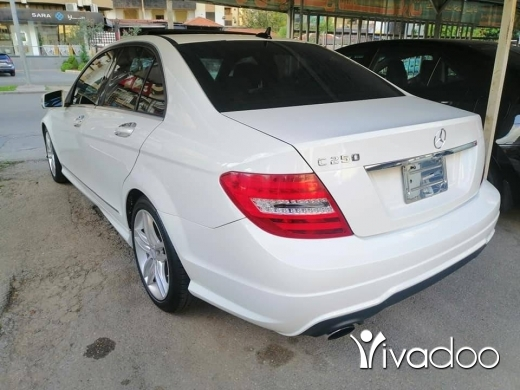 Mercedes-Benz in Saida - 2013 C250 clean carfax full package