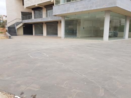 Whole building in Nakhleh - Stores for sale in Nakhle, Koura