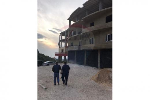 Whole building in Akkar - مستودع جاهز للبيع على طريق عام البيرة – عكار