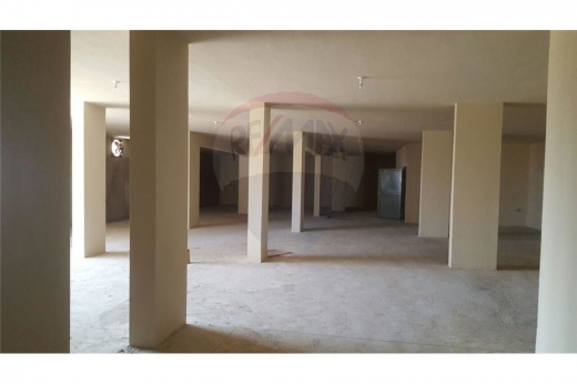 Whole building in Nakhleh - Warehouse for Sale in Nakhle