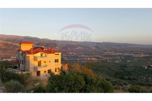 Villas in Zgharta - Super Deluxe Building in Alma