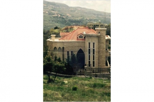 Villas in Ain Jdideh - Luxurious Villa for sale in Ain El Jdideh, Aley