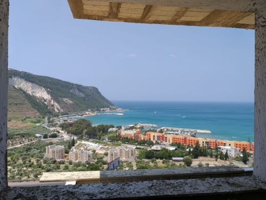 Apartments in Batroun - Apartments for sale in Al Heri, Batroun.