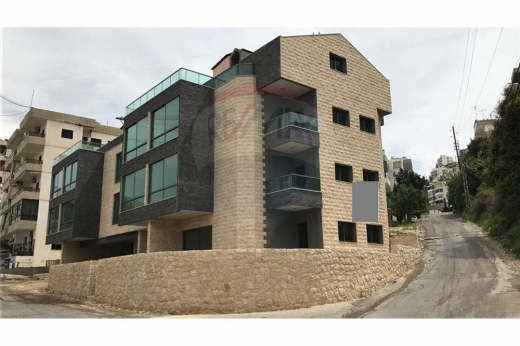 Apartments in Blat - Apartment with Garden for sale in Mastita /Jbeil