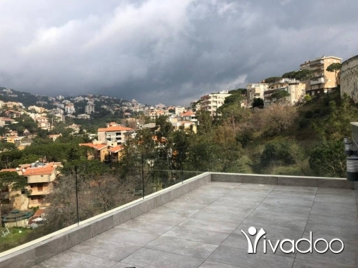 Apartments in Baabdat - A 330 m2 duplex apartment with an open mountain view for sale in Baabdat