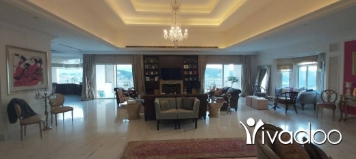 Villas in Baabdat - A furnished 1050 m2 villa with a pool and an open mountain view for sale in Baabdat