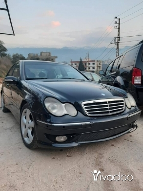Mercedes-Benz in Zgharta - Mercedes C 200 compressor 2001 look 2005
