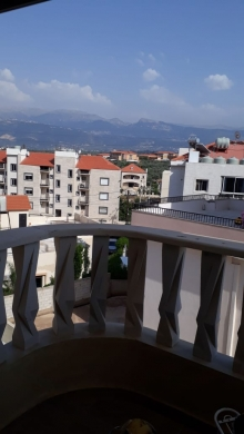 Apartments in Koura - Apartment for Sale in Btouratij, Al Koura