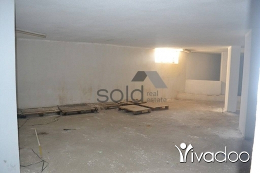Warehouse in Adonis -  1,100 m2 warehouse for sale in Adonis / Keserwan