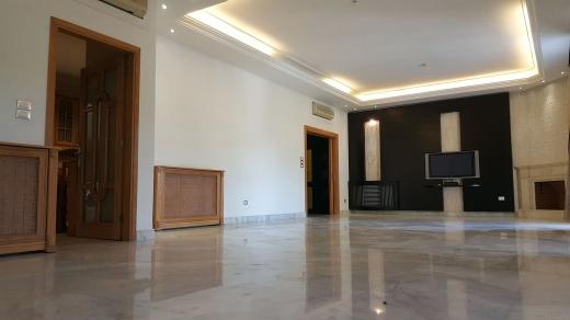 Apartments in Baabda - 4 Bedroom Apartment For Sale in Baabda