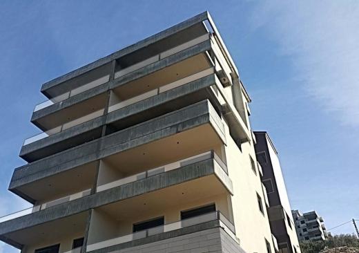 Apartments in Jbeil - Apartment for Sale In Braij 127m