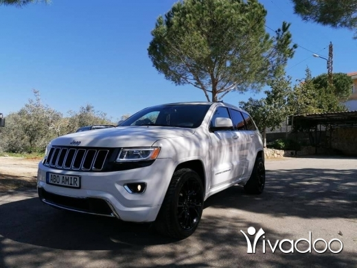 Jeep in Beirut City - Jeep grand cherokee Laredo 4*4 2015, ajnaby
