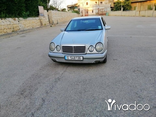 Mercedes-Benz in Zgharta - Mercedes 230 1997