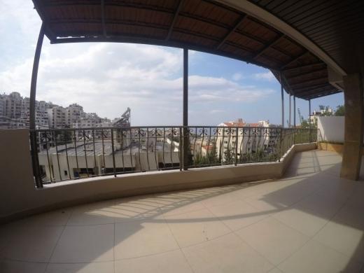 Apartments in Dik El Mehdi - Decorated Apartment for sale in Dik El Mehdy 250m