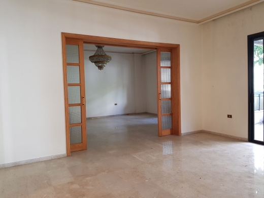 Apartments in Horsh Tabet - Apartment for Sale in Horsh Tabet 380m