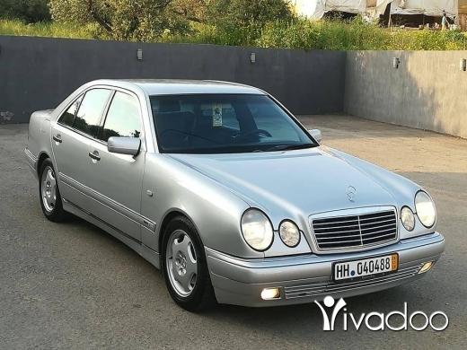Mercedes-Benz in Tripoli - E200 kompressor model 1999 (71678268)