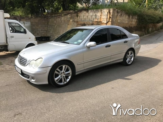 Mercedes-Benz in Mansourieh - Mercedes c180 Komp