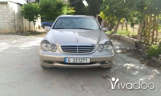 Mercedes-Benz in Hermel - C320 super clean $١٥٠٠