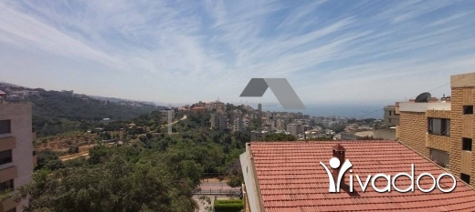 Apartments in Awkar - A 250 m2 duplex apartment with a terrace and an open sea view for sale in Aoukar / Bellvue