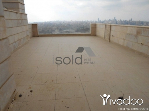 Apartments in Baabda - A 460 m2 ground floor apartment with a terrace and an open sea view for sale in Baabda