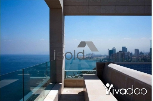 Apartments in Ain Mreisseh - A 446 m2 duplex apartment with a garden and a breathtaking sea view for sale in Ain el mrayseh
