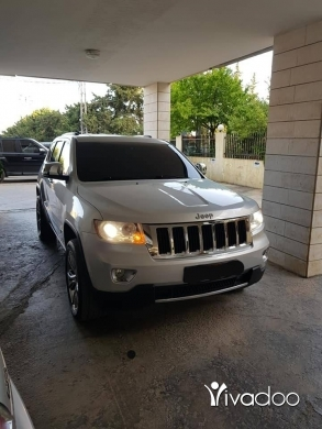 Jeep in Zahleh - Jeep grand cherokee overland 2011 very clean fully loaded for more info call : 76019980