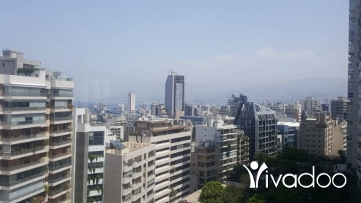 Apartments in Achrafieh - A 520 m2 apartment for sale in Achrafieh overlooking the city