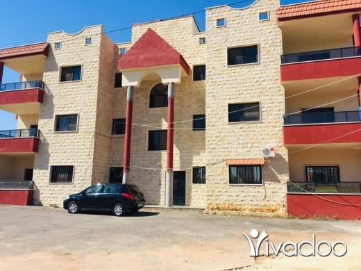 Apartments in Beirut City - شقة للبيع منطقة زفتا خلف الطريق العام