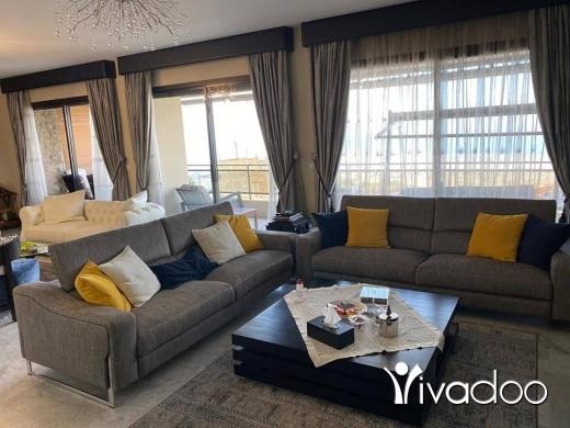 Apartments in Beirut City - للبيع شقة فخمة جدا في بيت مري ٣٠٠ م كاشفة لا تحجب شك مصرفي $$تل 81894144