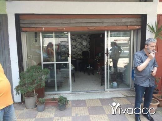 Apartments in Tripoli - محل للبيع في الزاهريه خلف فرن المير