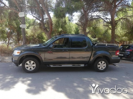 Ford in Bouchrieh - Ford explorer sport track 2010 ajnabe full options clean car fax 70788894 مع إمكانية قبول شك