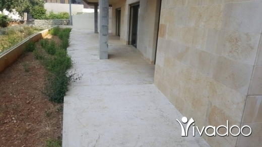 Apartments in Adma - A 300 m2 apartment with a terrace for sale in Adma
